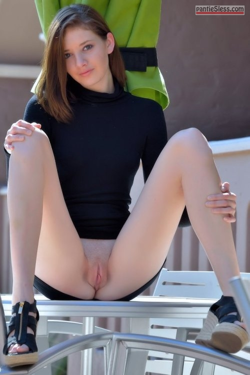 bottomless  teamnopants:Team No Pants