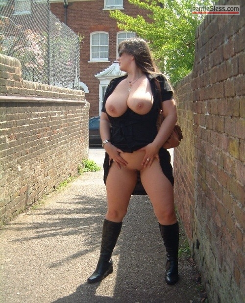 bottomless  naughtygirl88: Big Beautifull Women near you