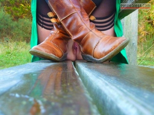 upskirt pussy flash bottomless  suchcuriousanimals: nounderwearisthebestunderwear:Bench 2...