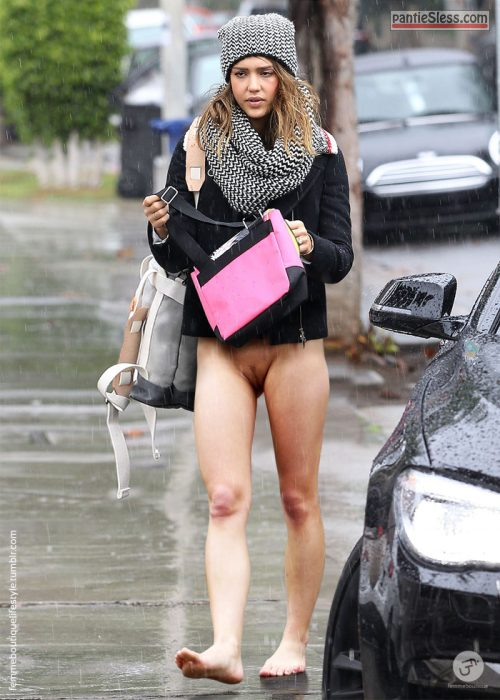 trimmed pussy pussy flash public flashing nudes brunette bottomless  Walking down the street bottomless on rainy day