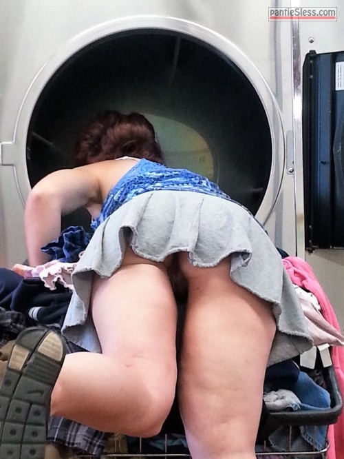 voyeur upskirt public flashing milf bottomless ass flash  Voyeur caught pantyless milf at laundromat