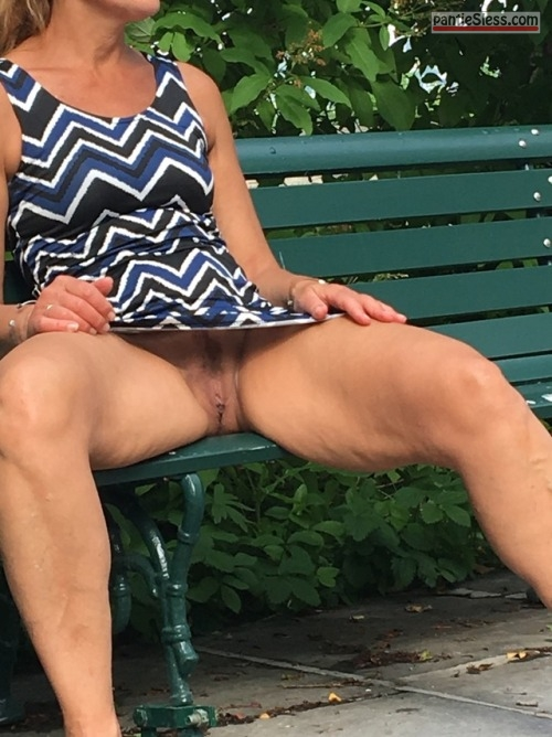 voyeur trimmed pussy pussy flash public flashing milf mature hotwife bottomless Mature cunt on a park bench