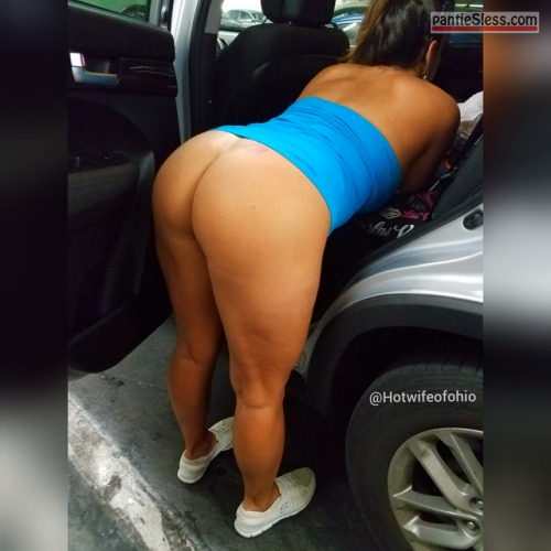 public flashing milf hotwife bottomless ass flash Slut wife blue dress up bent over in the car