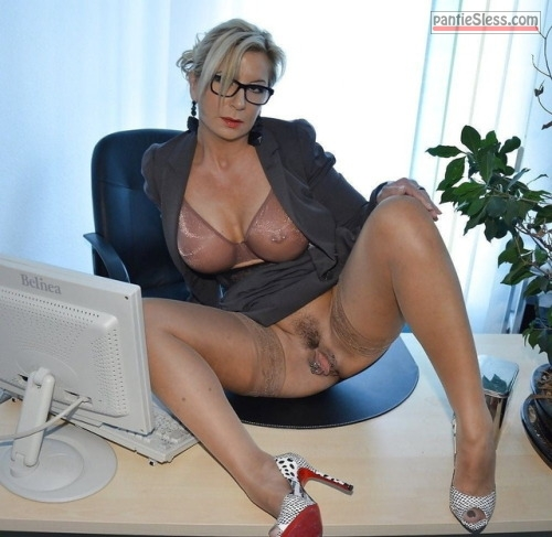 pussy flash milf mature hotwife hairy pussy bottomless blonde  Very hot mature secretary posing knickerless on the desk