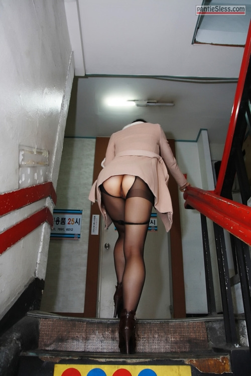 upskirt public flashing prostitute bottomless ass flash asian  Japanese wife no panties and easy access on stairs