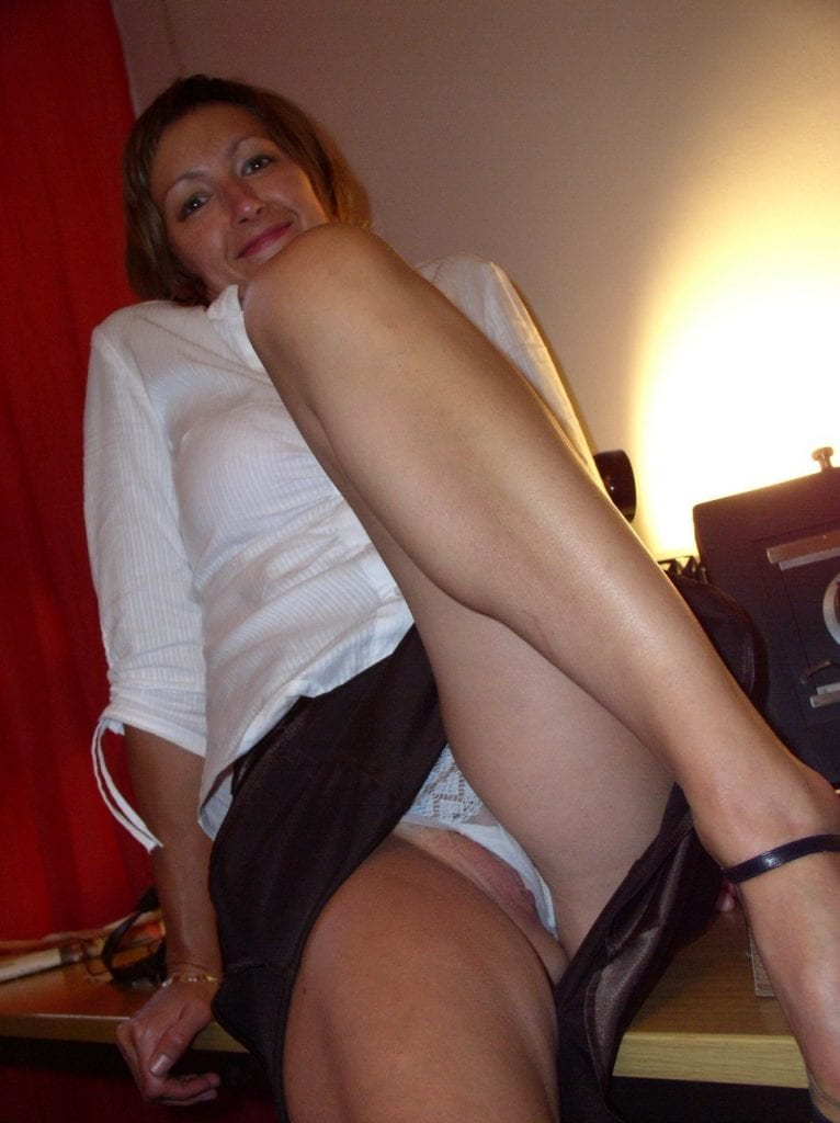 public flashing  tumblr lgx73tXuzN1qejifto1 1280