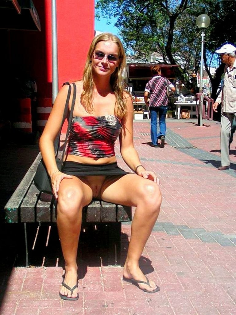 public flashing  tumblr m2zzyyH1sd1qh0a33o1 1280