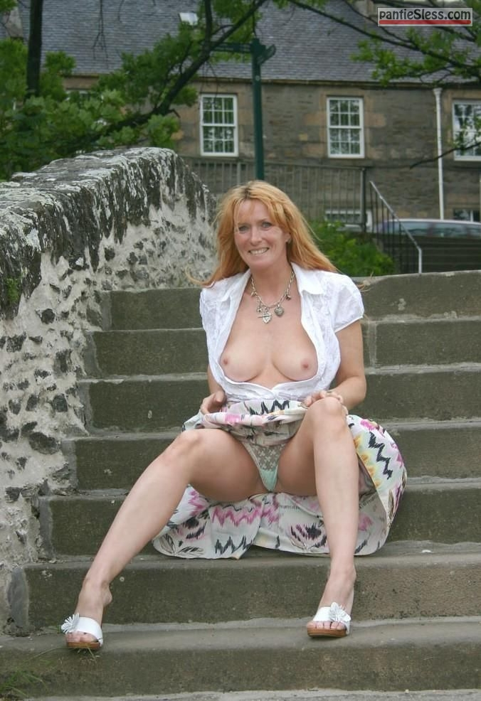 upskirt redhead milf boobs flash tumblr mz9a5q9S0R1sjwwgwo1 1280