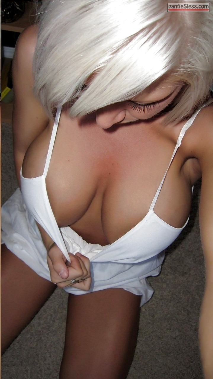 Downblouse pics Blonde pics