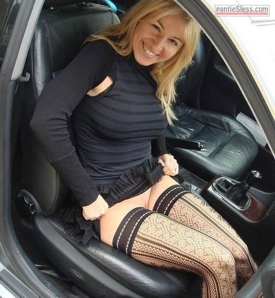 milf bottomless blonde tumblr mzlw0jeLjP1rugnu8o1 640