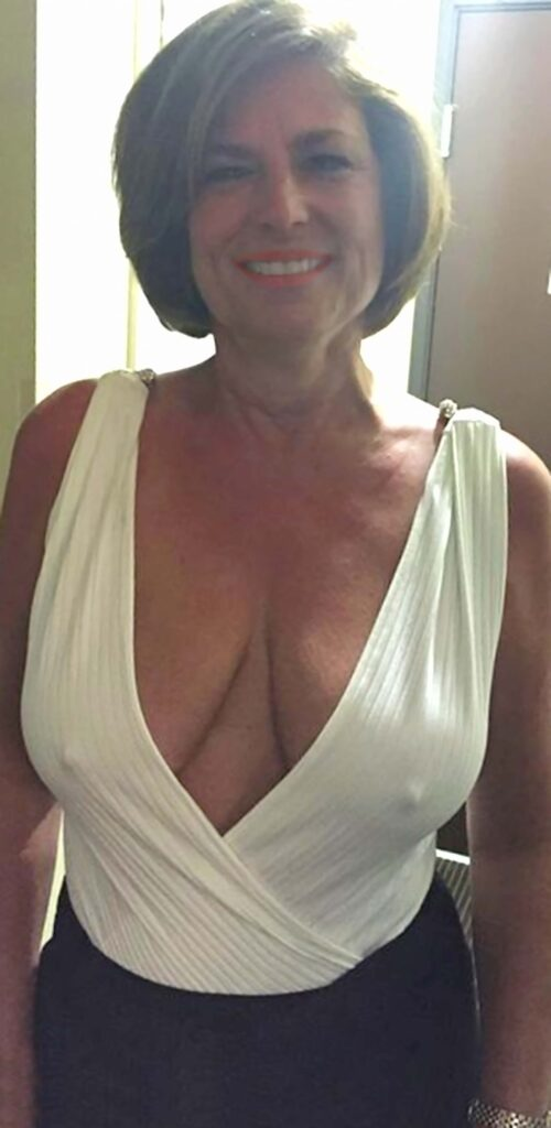 pokies mature find escort downblouse accidental flash Sex at 50 Plus: It Is Never Too Late for the Experiment